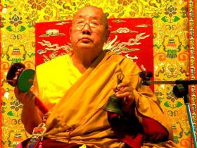 宁玛巴贝诺法王恭贺第三世多杰羌佛