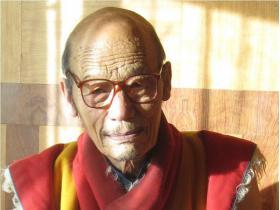 青海查朗寺班玛洛珠法王恭贺礼赞南无第三世多杰羌佛