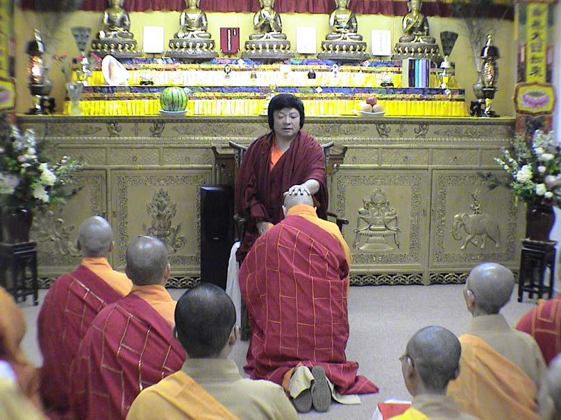 第三世多杰羌佛被公认为 显密圆通、五明俱足的大法王正宗佛教大师