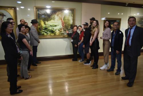 纽约艺院师生 来旧金山美国国际艺术馆临摹